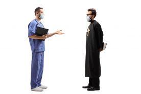 Ilu jest kapelanów w szpitalach i ile zarabiają?