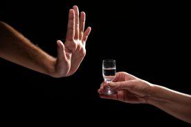 Dyrektor WIM: po szczepieniu trzy dni bez alkoholu