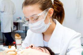Nie ma chętnych dentystów do pracy w dentobusach