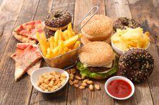Wysoko przetworzona żywność szkodzi pamięci