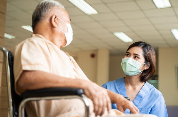 NFZ: okres kwalifikacji pocovidowej wydłużony do 12 miesięcy