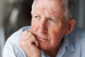 Bewacyzumab/kapecytabina vs kapecytabina u chorych w starszym wieku z wcześniej nieleczonym rozsianym rakiem jelita grubego: badanie AVEX