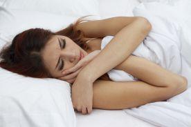 Niewyspanie sprzyja ryzykownym zachowaniom seksualnym