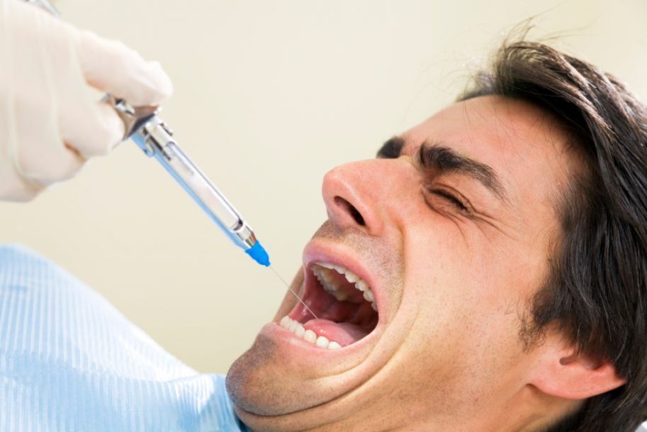 Pacjent z traumą w gabinecie stomatologicznym