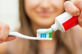 Pasta do zębów może zmniejszać skuteczność antybiotyków